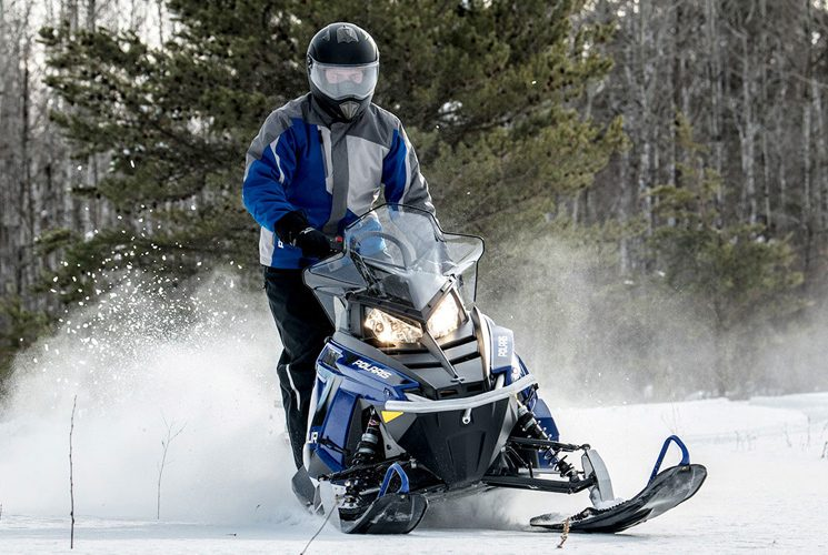Polaris 550 Voyageur® 144: a versatile snowmobile for off-road enthusiasts